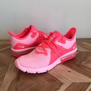 Nike | NEW Air MAX Sequent 3 Pink Sneakers